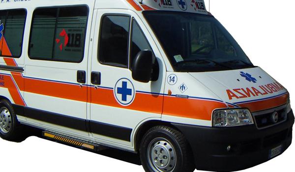 Ambulanza a retromarcia sul Corso: non sapeva della chiusura al traffico