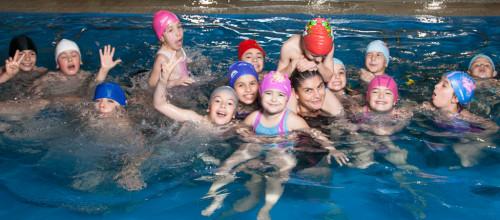 Arrivano lezioni di nuoto gratis a Sorrento per bambini,anziani e ragazzi diversamente abili