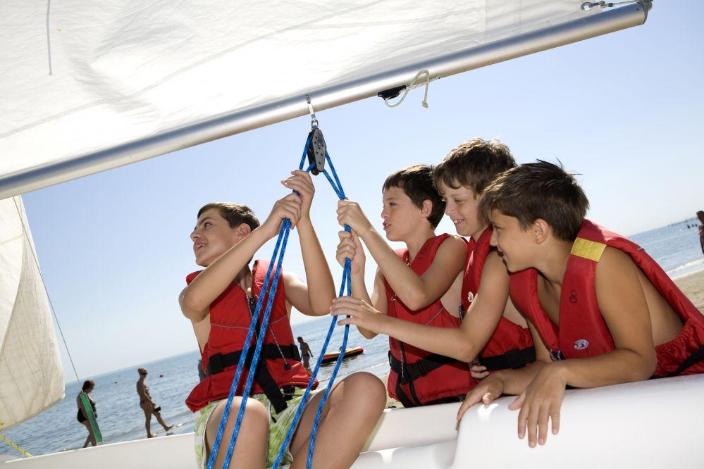 Vela per ragazzi, lo Yacht Club Capri riceve un premio