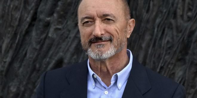 Lo scrittore Arturo Pérez-Reverte all'Hotel Excelsior Vittoria