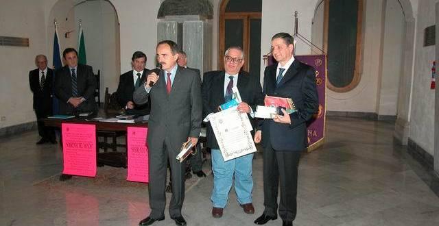 """Un libro sul """"babà"""" per ricordare Antonino Fiorentino: l'esordio della scrittrice Annarita Siniscalchi"""