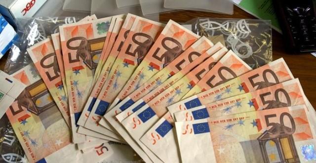 """Zecca del """"falso"""", scoperta stamperia a Castellammare: pronti 50milioni di euro contraffatti"""