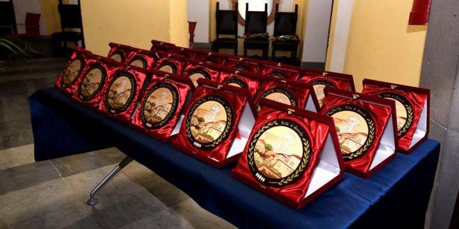 """Sorrento Civica, il """"foto-racconto"""" della cerimonia: ecco tutti i premiati"""